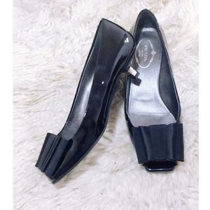 Prada patent leather pump with grossgrain bows,